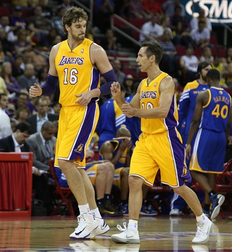 Warriors rout Lakers in exhibition game