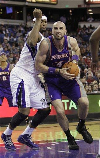 Kings beat Suns 102-97
