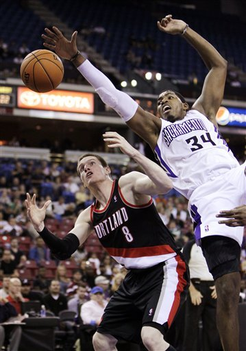 Thornton scores 23 to lead Kings past Blazers