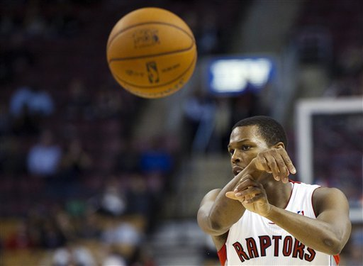 Lowry has 14 points, 6 assists in Raptors debut