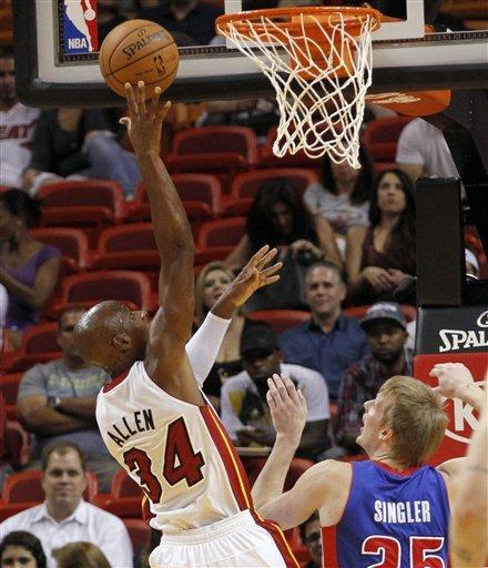 Wade scores 21, Heat beat Pistons 105-78