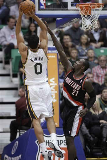 Kanter, Favors power Jazz past Blazers 97-91