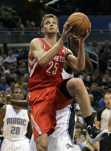 Lin, Rockets beat Magic to finish 5-2 in preseason