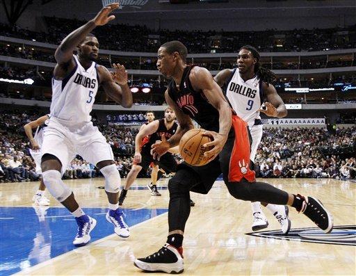 Mayo, Kaman lead Mavericks past Raptors 109-104