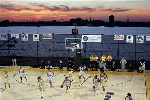 No. 7 Notre Dame tops Ohio St. at Carrier Classic