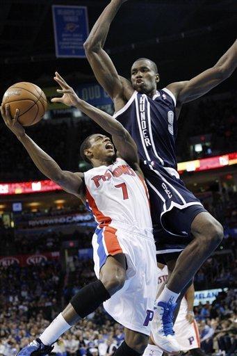 Ibaka scores 25, Thunder beat Pistons 105-94