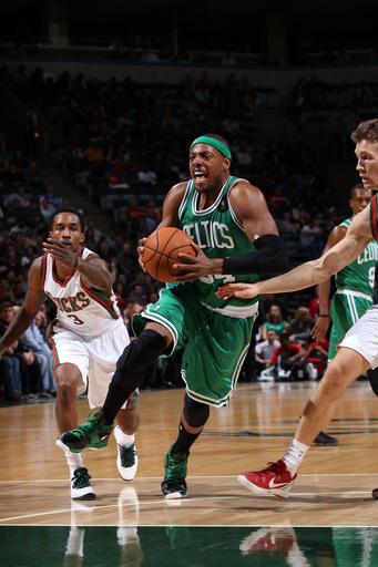 Pierce, Garnett help Celtics rally past Bucks