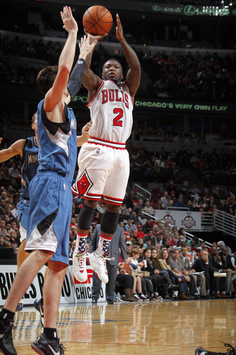 Robinson sparks Bulls to win over Timberwolves