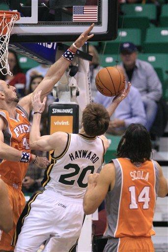 Jefferson's 27 points lift Jazz over Suns 94-81