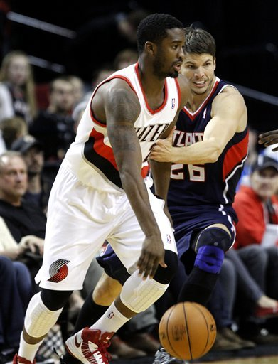 Smith leads Hawks to 95-87 win over Trail Blazers