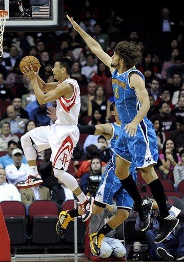 Harden scores 30, Rockets beat Hornets 100-96