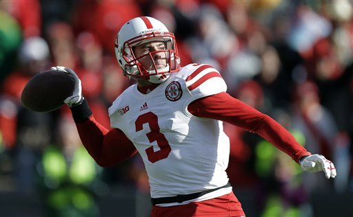 No. 17 Nebraska beats Iowa 13-7