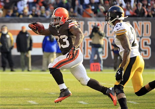 Browns beat sloppy Steelers 20-14