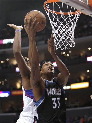 Billups returns, Clippers beat Wolves 101-95