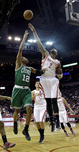 McHale, Garnett embrace after Rockets top Celtics