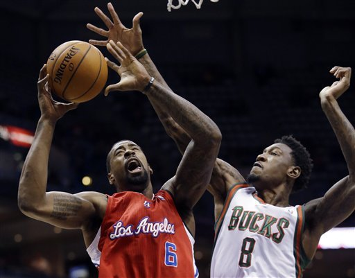 Clippers cruise past Bucks for 9th straight win