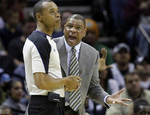 Parker leads Spurs past Celtics