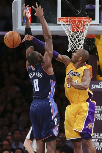 Lakers hand Bobcats 12th straight loss, 101-100