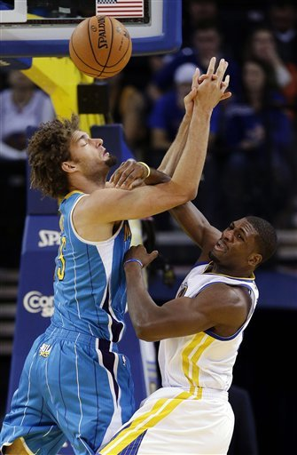 Warriors hold off Hornets 103-96 in return home