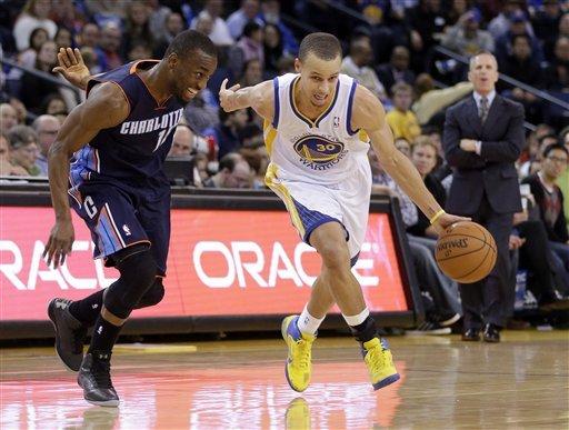 Lee's triple-double paces Warriors past Bobcats
