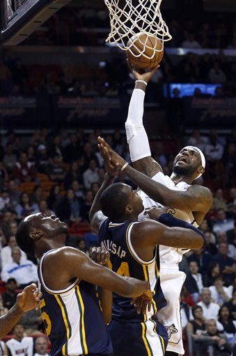 James scores 30, Heat win again, top Jazz 105-89