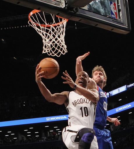 Johnson scores 22 points, Nets beat 76ers
