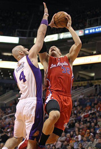 Clippers beat Suns to run win streak to 13 games