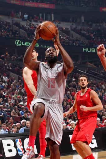 Rockets surge past Bulls 120-97