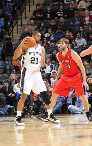 Spurs snap Raptors' 5-game winning streak