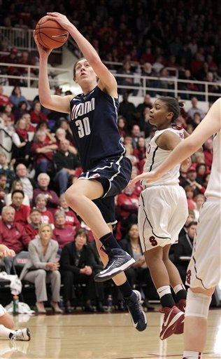 No. 2 UConn women rout No. 1 Stanford 61-35