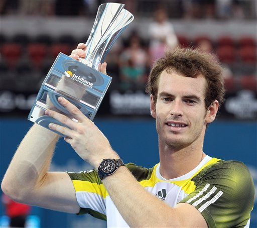 Murray beats Dimitrov to defend Brisbane title