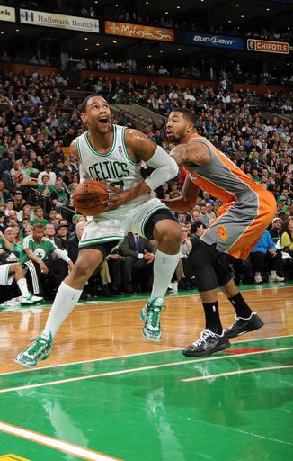 Celtics rally for 87-79 win over Suns