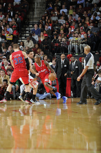 Crawford scores 30 as Clips beat Rockets 117-109