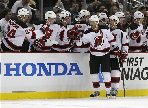 Devils top Penguins 3-1 for 5th straight win