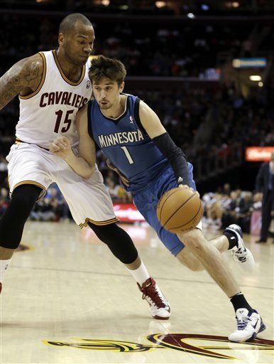 Ridnour, Timberwolves end road skid, beat Cavs