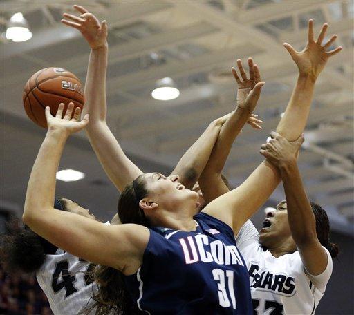 No. 3 UConn women beat Providence 105-49
