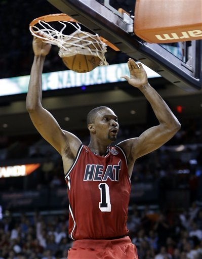 LeBron sets mark, Heat top Blazers 117-104