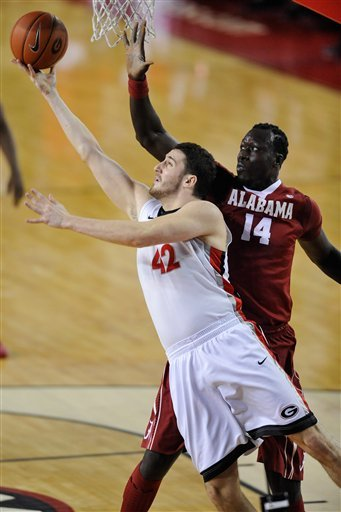 Randolph, Cooper lead Alabama past Georgia 52-45