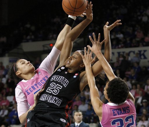 No. 9 Kentucky rallies, tops South Carolina 78-74