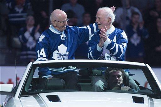 Scrivens gets 1st shutout, Leafs top Senators 3-0