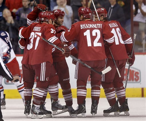 Hanzal scores 2, Coyotes top Blue Jackets 5-3