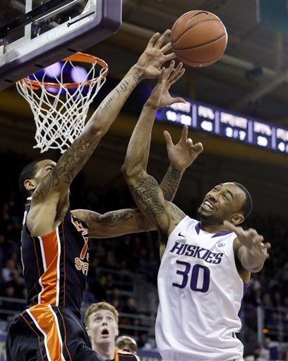 Huskies pull away late to defeat Beavers 72-62