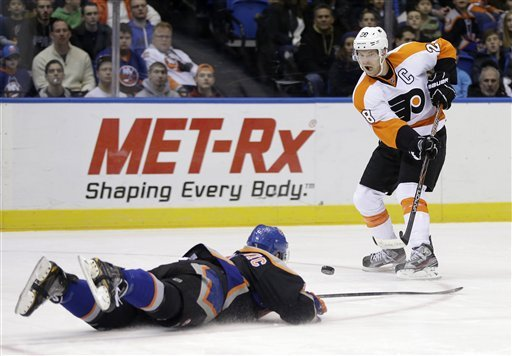 Giroux leads Flyers to 7-0 blowout of Isles
