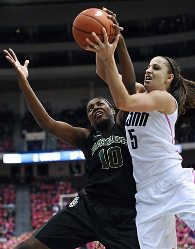 Griner reaches 3,000 points as Baylor beats UConn