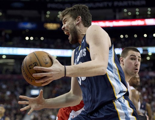Randolph leads Grizzlies past Raptors 88-82