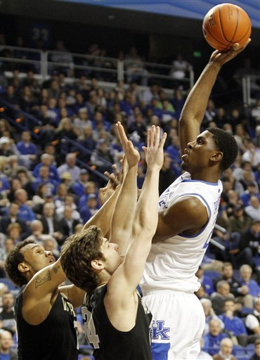 Cauley-Stein, Kentucky survive Vanderbilt 74-70