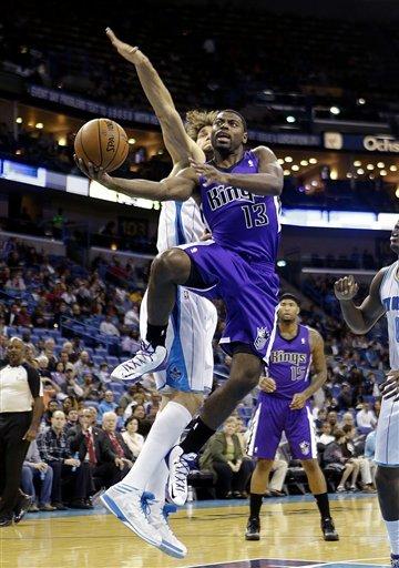 Davis, Gordon lead Hornets past Kings 110-95