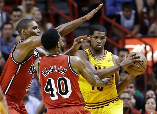 Heat blow huge lead then beat Cavs for 11th in row