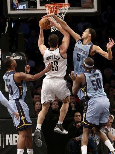 Randolph, Gasol lead Grizzlies over Nets 76-72