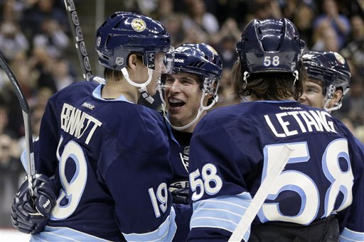 Crosby scores twice as Penguins beat Lightning 5-3